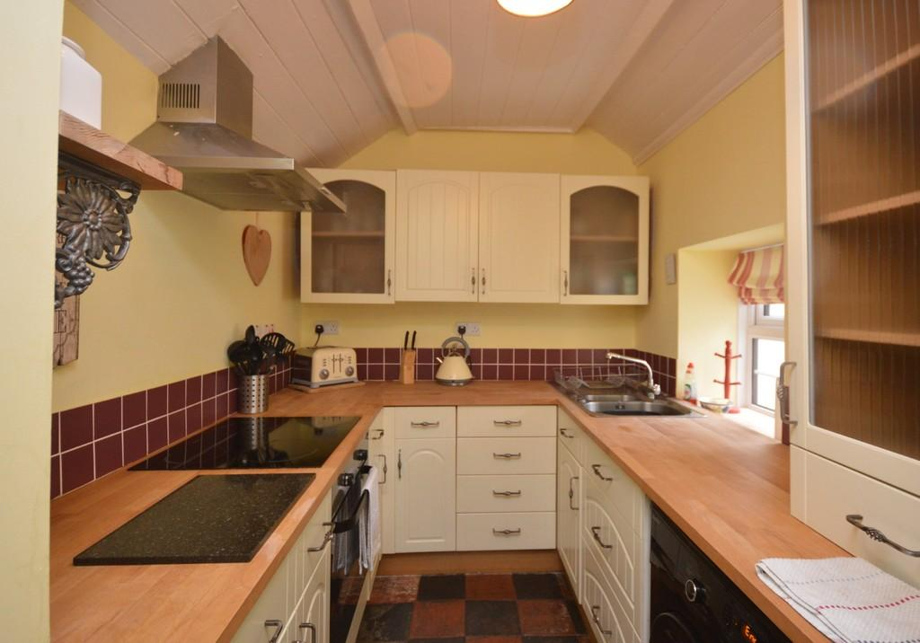 3 Bedrooms Terraced House for sale in Eifl Road, Trefor, North Wales