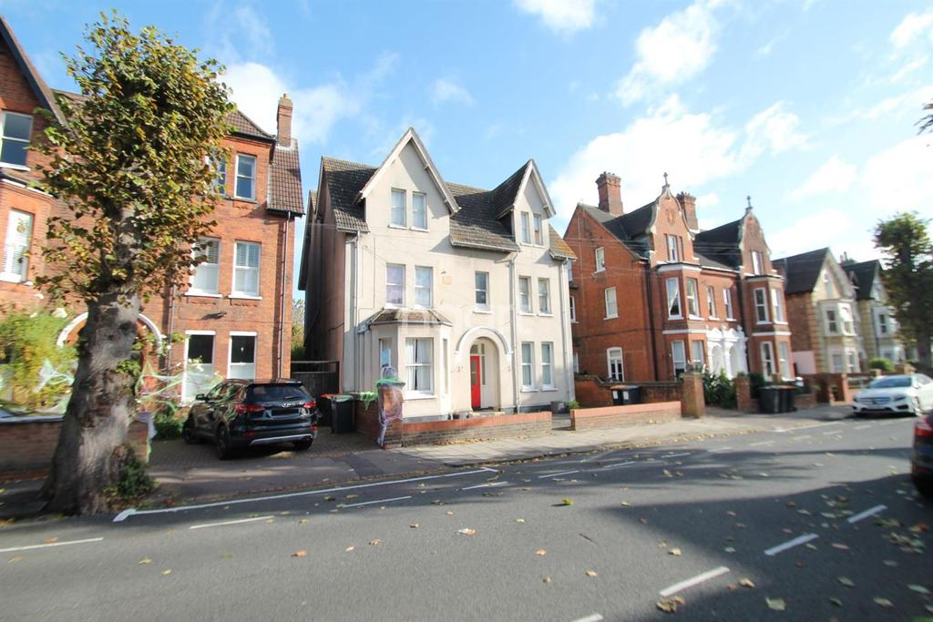 1 Bedroom Flat for sale in Chaucer Road, Bedford, MK40