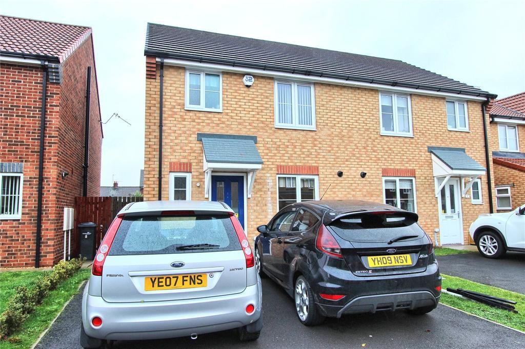 3 Bedrooms Semi Detached House for sale in Bridgewater Court, Longlands