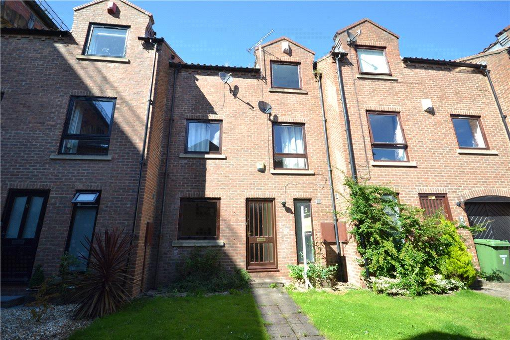 3 Bedrooms Terraced House for sale in Low Church Wynd, Yarm, Stockton-on-Tees