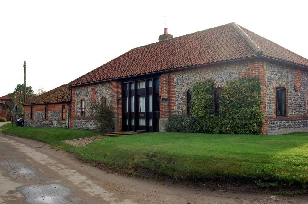 3 Bedrooms Barn Conversion Character Property for sale in Elderton Lane, Antingham