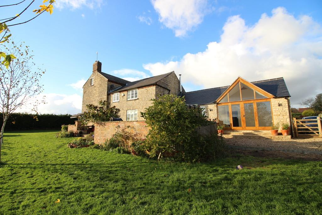 6 Bedrooms Farm House Character Property for sale in Stonesby Road, Saltby