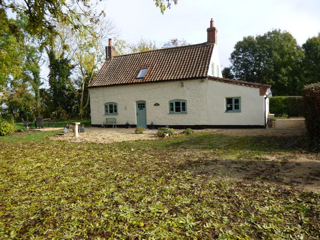 3 Bedrooms Cottage House for sale in Quadring Road, Donington