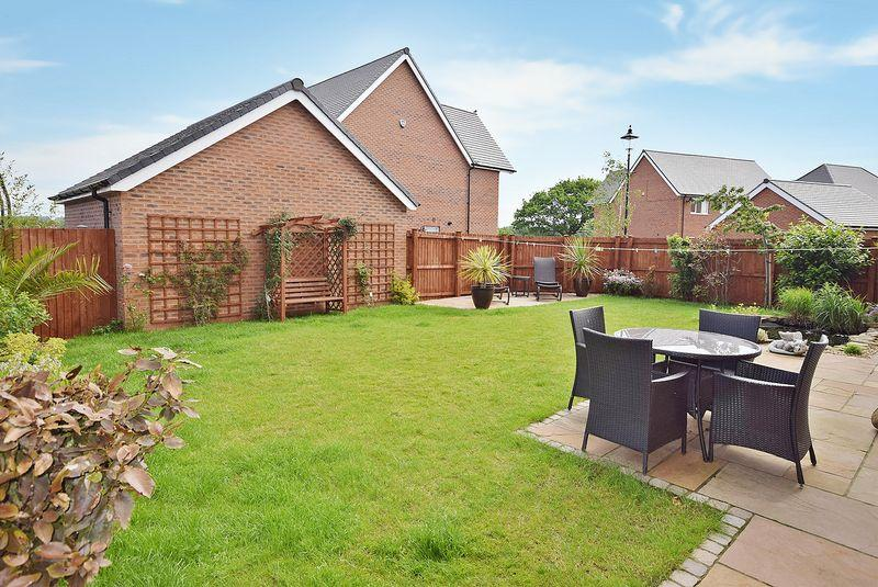 4 Bedrooms Detached House for sale in Hornsmill Avenue, Widnes