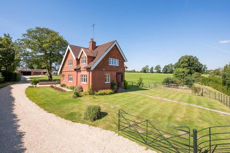 4 Bedrooms Detached House for sale in Swindon Road, Malmesbury, Wiltshire, SN16