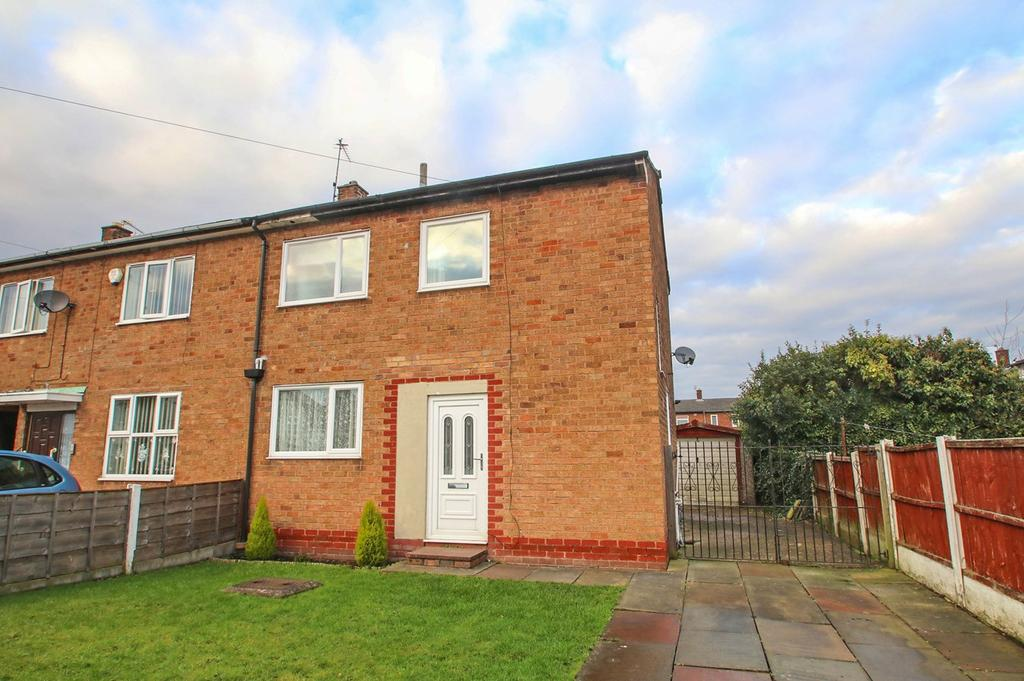 2 Bedrooms End Of Terrace House for sale in Wood Lane, Partington, Manchester, M31