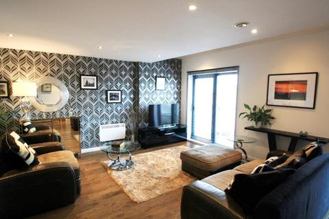 2 bedroom penthouse to rent - ONE BREWERY WHARF, WATERLOO STREET, LEEDS, LS10 1GZ