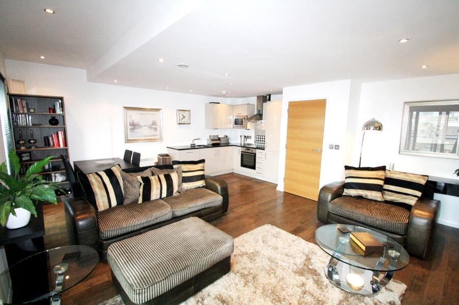 2 Bedrooms Apartment Flat for rent in ONE BREWERY WHARF, WATERLOO STREET, LEEDS, LS10 1GZ