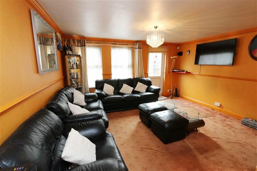 3 Bedrooms Terraced House for sale in Garganey Walk, Thamesmead, London, SE28
