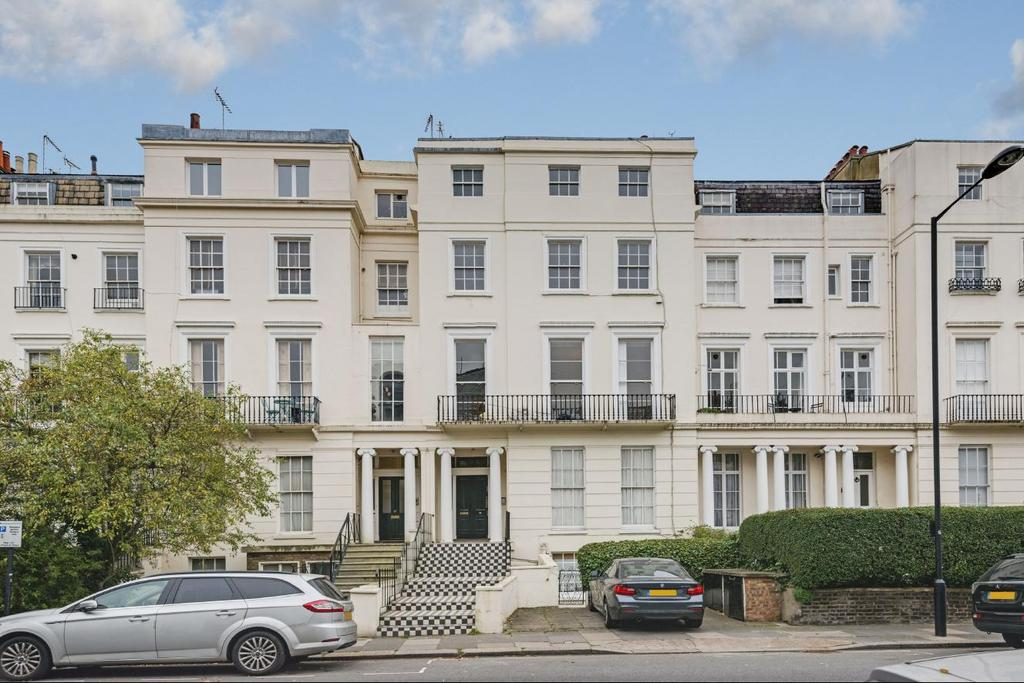 2 Bedrooms Flat for sale in Abercorn Place, St Johns Wood, NW8
