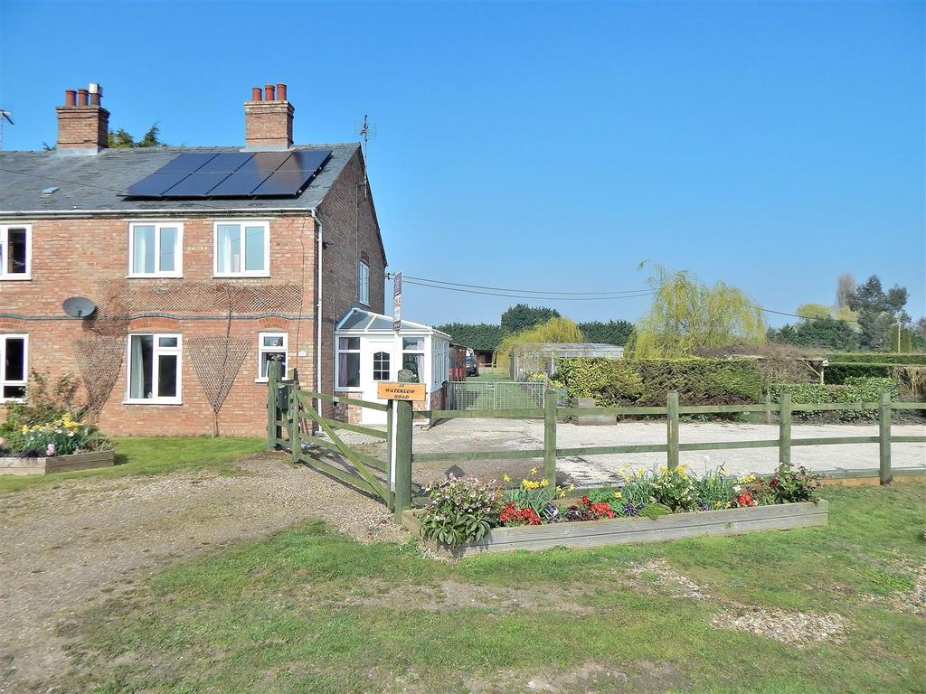 3 Bedrooms Semi Detached House for sale in Waterlow Road, Terrington St. Clement, King's Lynn