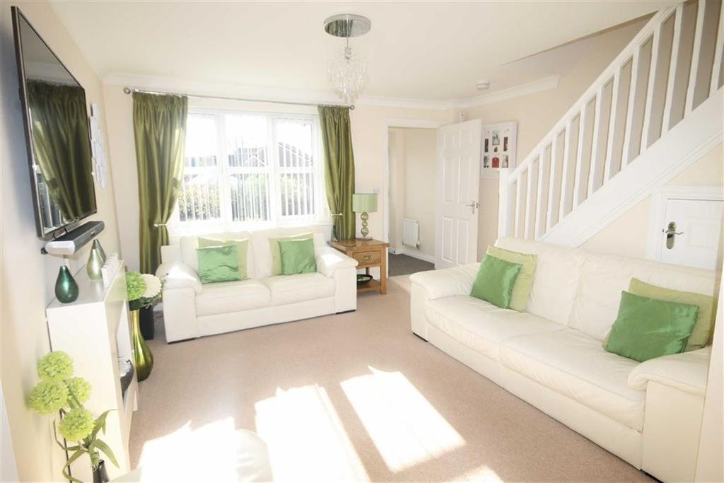 4 Bedrooms Detached House for sale in Harris Court, Quakers Yard, CF46