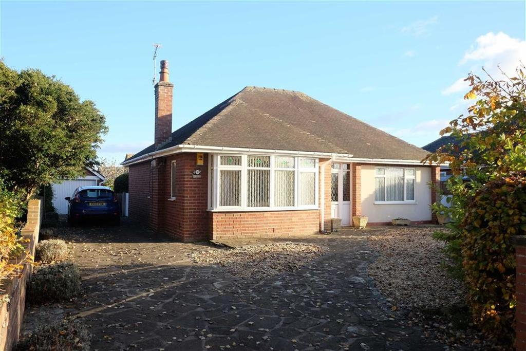 2 Bedrooms Detached Bungalow for sale in Rosebery Avenue, Lytham St Annes