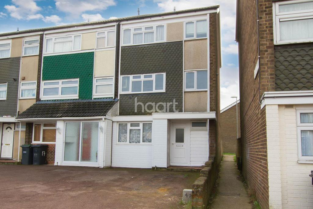 4 Bedrooms End Of Terrace House for sale in Popular location