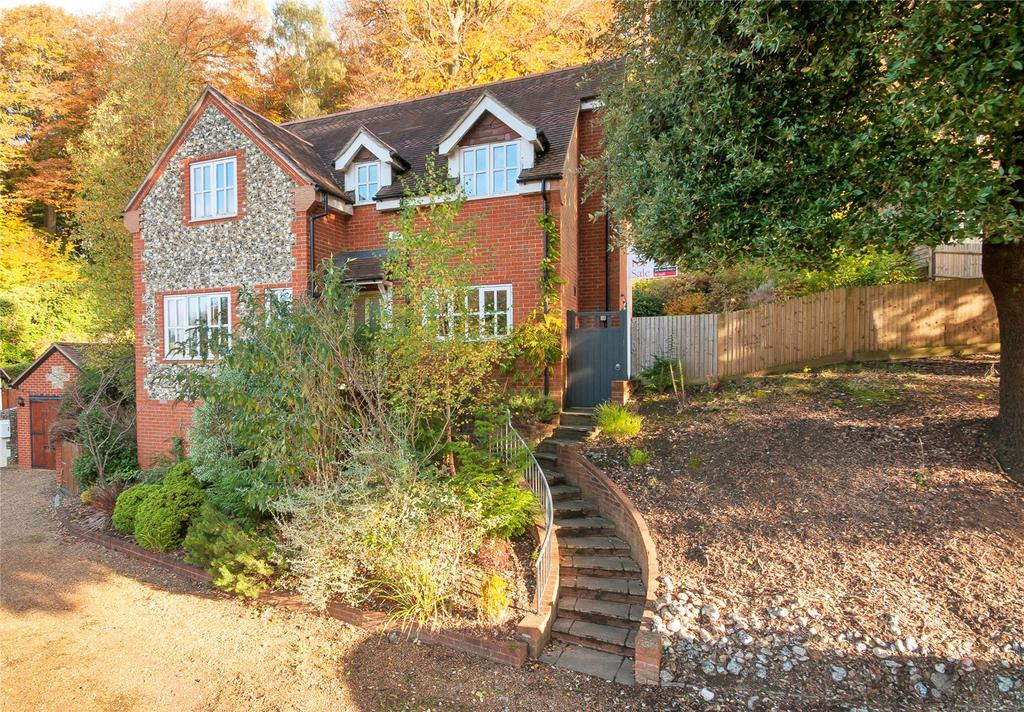 4 Bedrooms Detached House for sale in Denfield, Dorking, Surrey, RH4