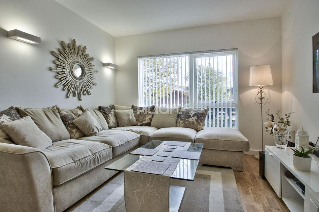 1 Bedroom Flat for sale in Western Road, Southall