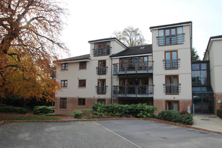 3 Bedrooms Duplex Flat for sale in HARROGATE ROAD, MOORTOWN, LS17 6JB