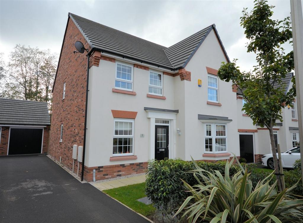 4 Bedrooms Detached House for sale in Teddy Gray Avenue, Elworth, Sandbach