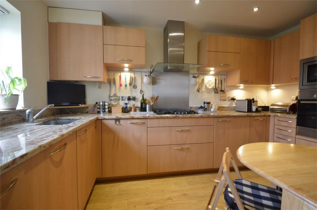 3 Bedrooms Terraced House for sale in Marden Way, PETERSFIELD, Hampshire