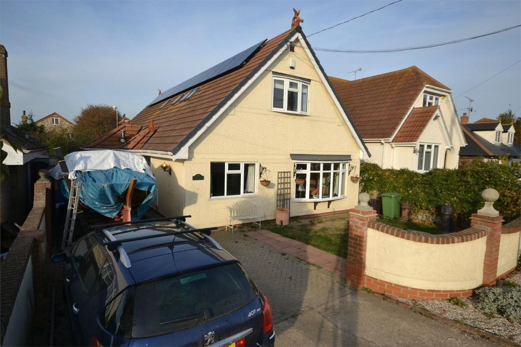 5 Bedrooms Detached House for sale in Riverton Drive, St Lawrence, Southminster, Essex
