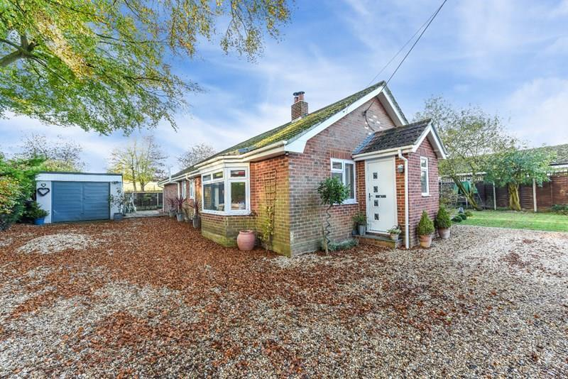 3 Bedrooms Detached Bungalow for sale in Cow Lane, Kimpton, Andover