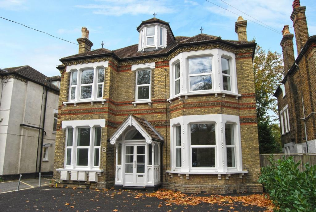1 Bedroom Flat for sale in Blyth Road Bromley BR1