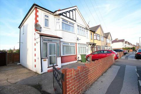 3 bedroom semi-detached house to rent - Upminster Road South, Rainham