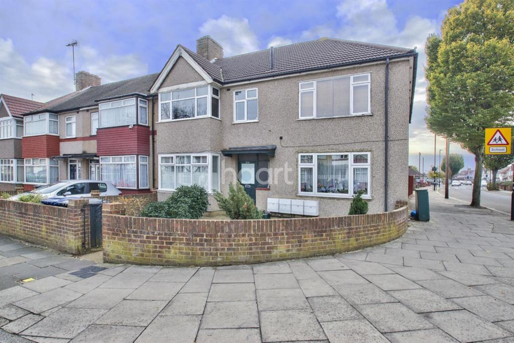 2 Bedrooms Flat for sale in Kings Avenue, Greenford