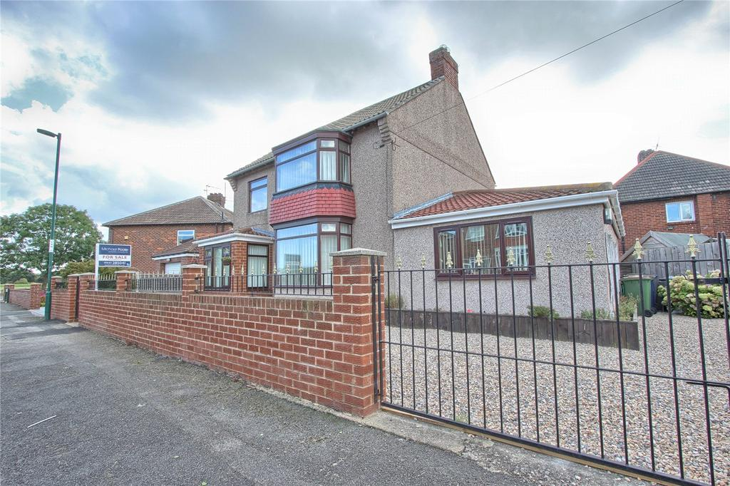 4 Bedrooms Detached House for sale in Lucerne Road, Redcar