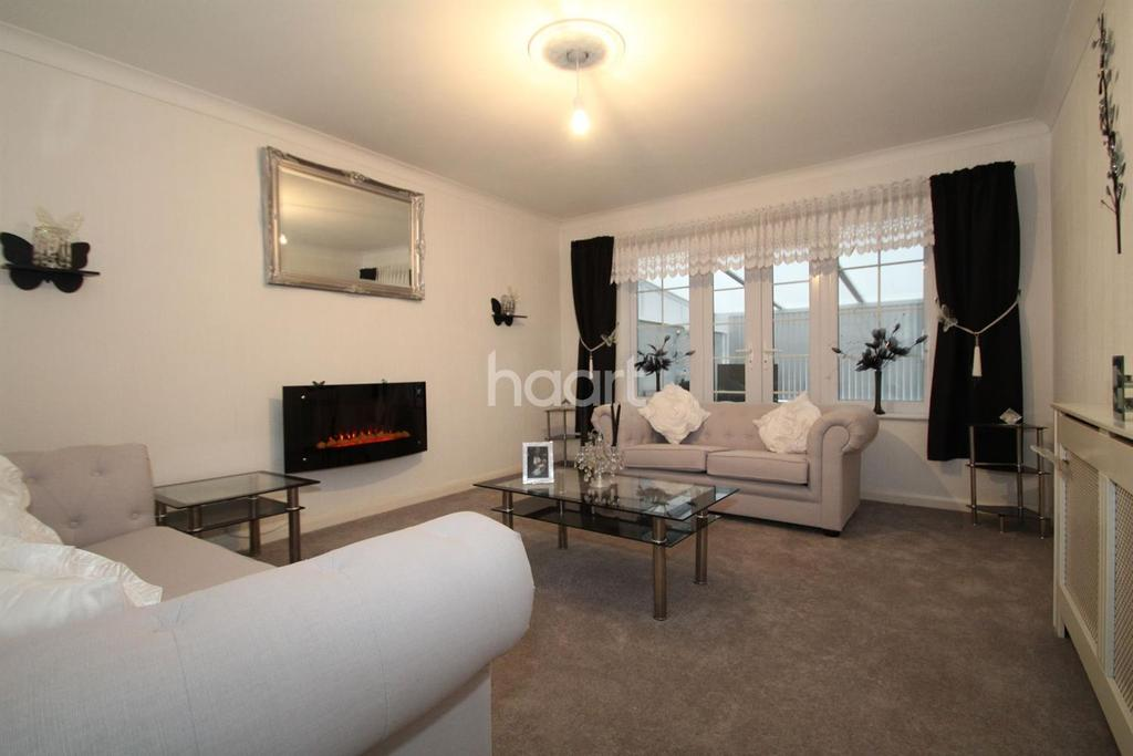 3 Bedrooms Bungalow for sale in Gorse Lane, Clacton-on-sea