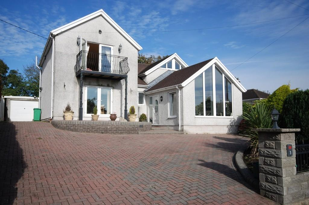 4 Bedrooms Detached House for sale in Tyla Rhosyr, Cowbridge, Vale of Glamorgan, CF71 7AU