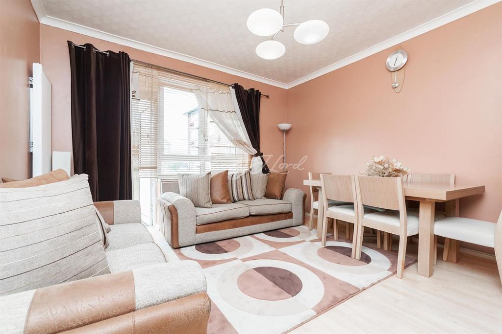 1 Bedroom Flat for sale in Cecilia Road, Hackney, E8