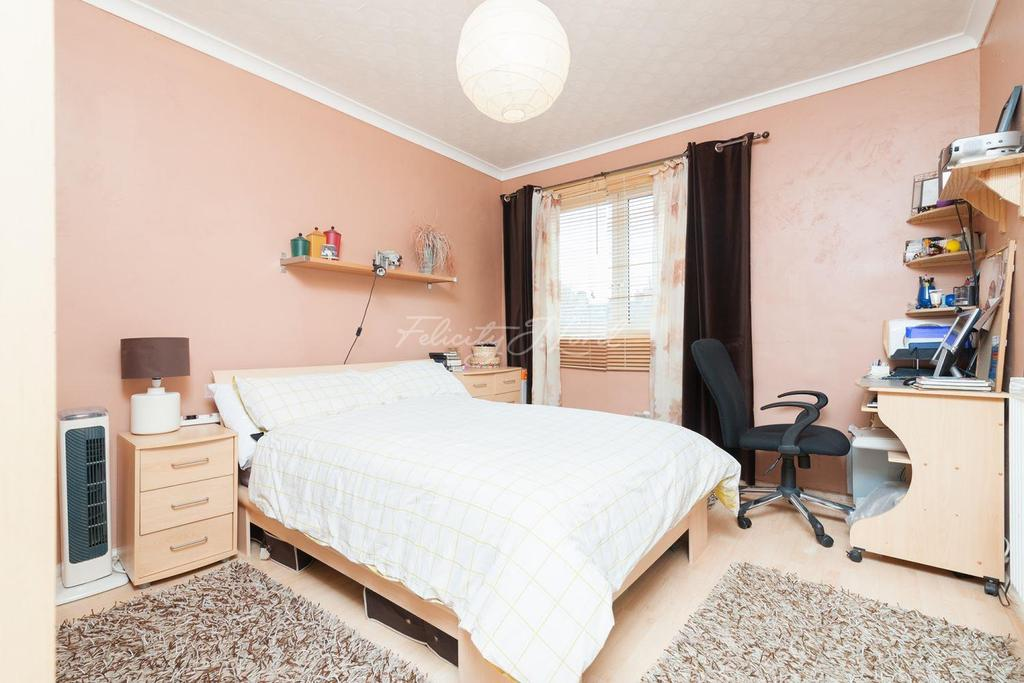1 Bedroom Flat for sale in Cecilia Road, Hackney, E8