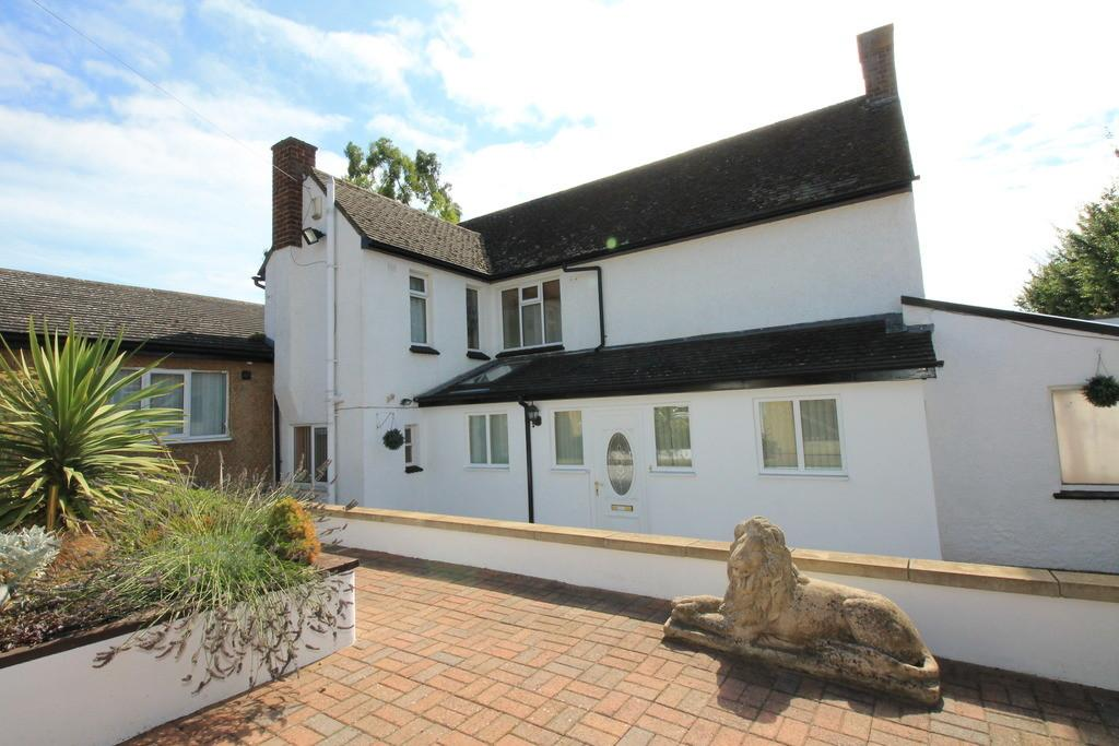 4 Bedrooms Detached House for sale in Ashfield Avenue, Raunds