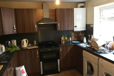 4 bedroom house to rent - Kensington Avenue, Victoria Park, Manchester, BILLS INCLUDED m14