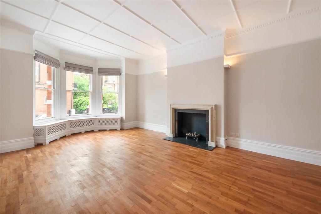 3 Bedrooms Maisonette Flat for sale in Egerton Gardens, Knightsbridge, London, SW3