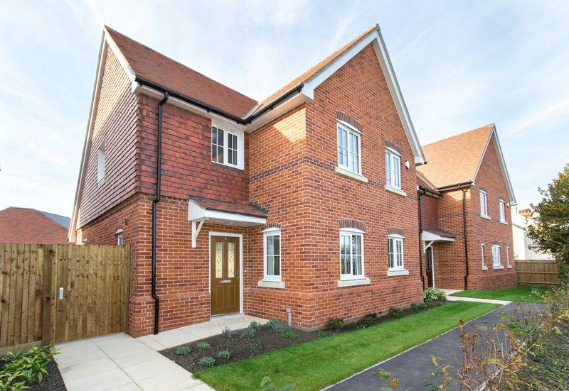 3 Bedrooms Detached House for sale in Plot 6, Woodnesborough
