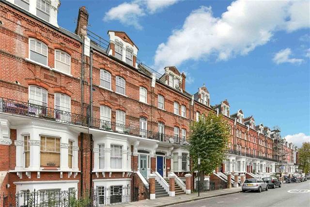 1 Bedroom Flat for sale in Avonmore Road, West Kensington, London, W14