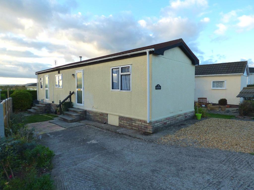 2 Bedrooms Park Home Mobile Home for sale in Bovingdon Park, Roman Road, Hereford