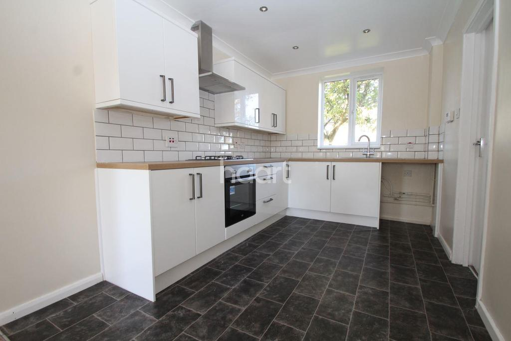 4 Bedrooms Terraced House for sale in Fourth Avenue, Scampton, Lincoln, LN1