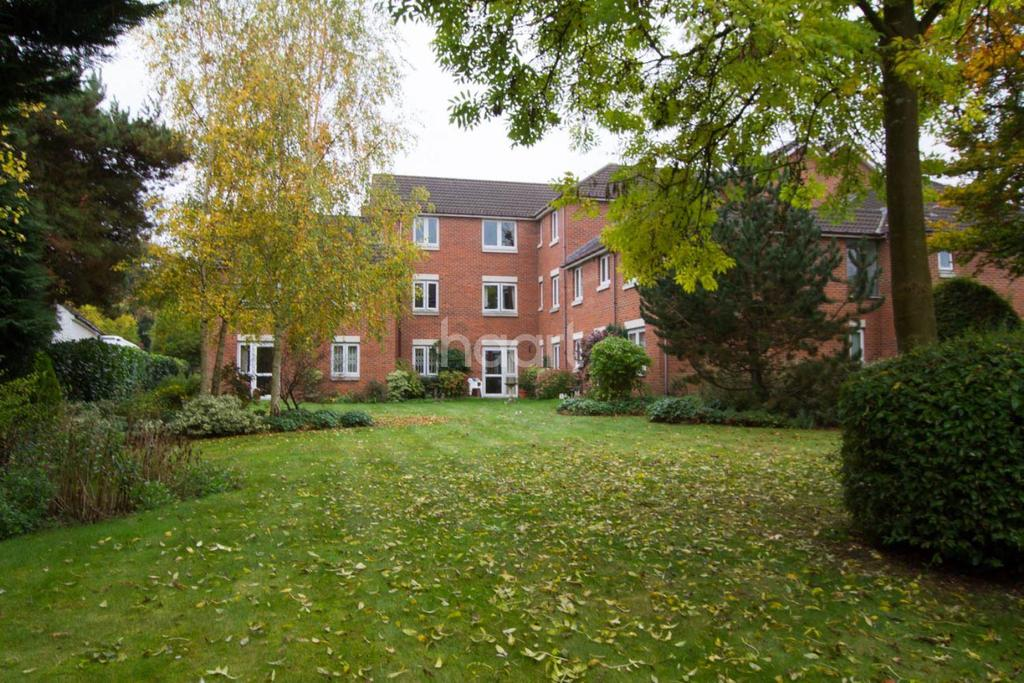 1 Bedroom Flat for sale in Clements Court, Sheepcot Lane, Watford, WD25