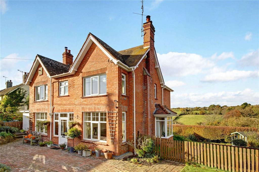 4 Bedrooms Detached House for sale in Hindon, Salisbury
