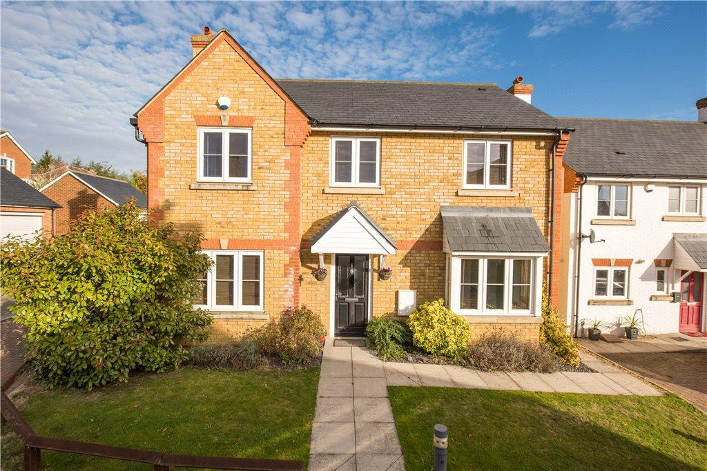 4 Bedrooms Detached House for sale in Endeavour Close, Lower Stondon, Bedfordshire