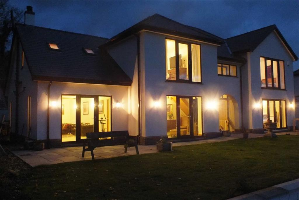 4 Bedrooms Detached House for sale in Tremeirchion, St Asaph