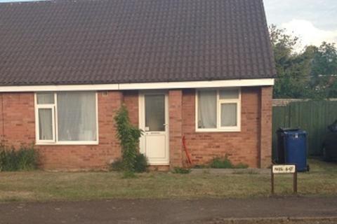 2 bedroom semi-detached bungalow to rent - Banesberie Close Banbury
