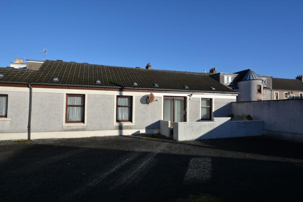 2 Bedrooms Semi Detached Bungalow for sale in 68 Nelson Street, Largs, KA30 9AF