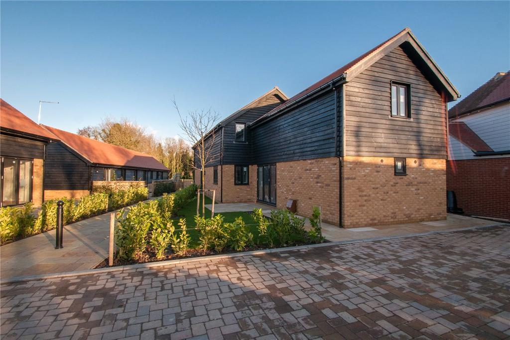 4 Bedrooms Detached House for sale in Skye Court, Wingham, CT3