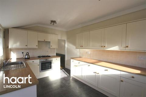 3 bedroom terraced house to rent - York Avenue