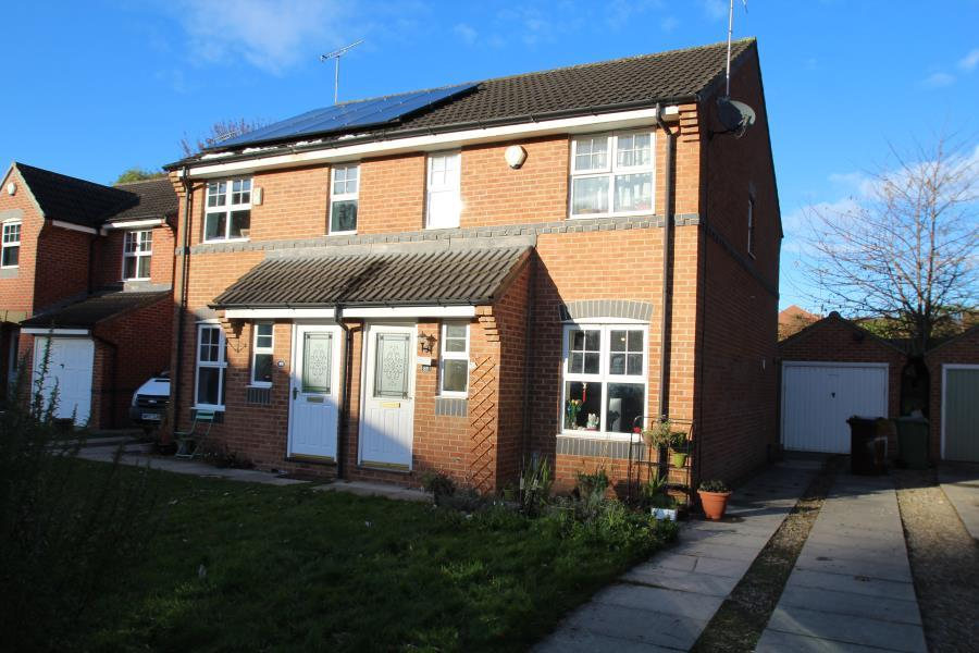 3 Bedrooms Semi Detached House for sale in BOOTHROYD DRIVE, MEANWOOD, LS6 2SL