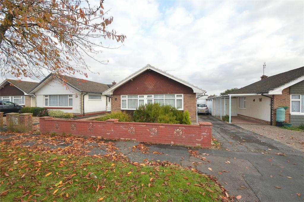 3 Bedrooms Detached Bungalow for sale in Lucerne Avenue, Waterlooville, Hampshire